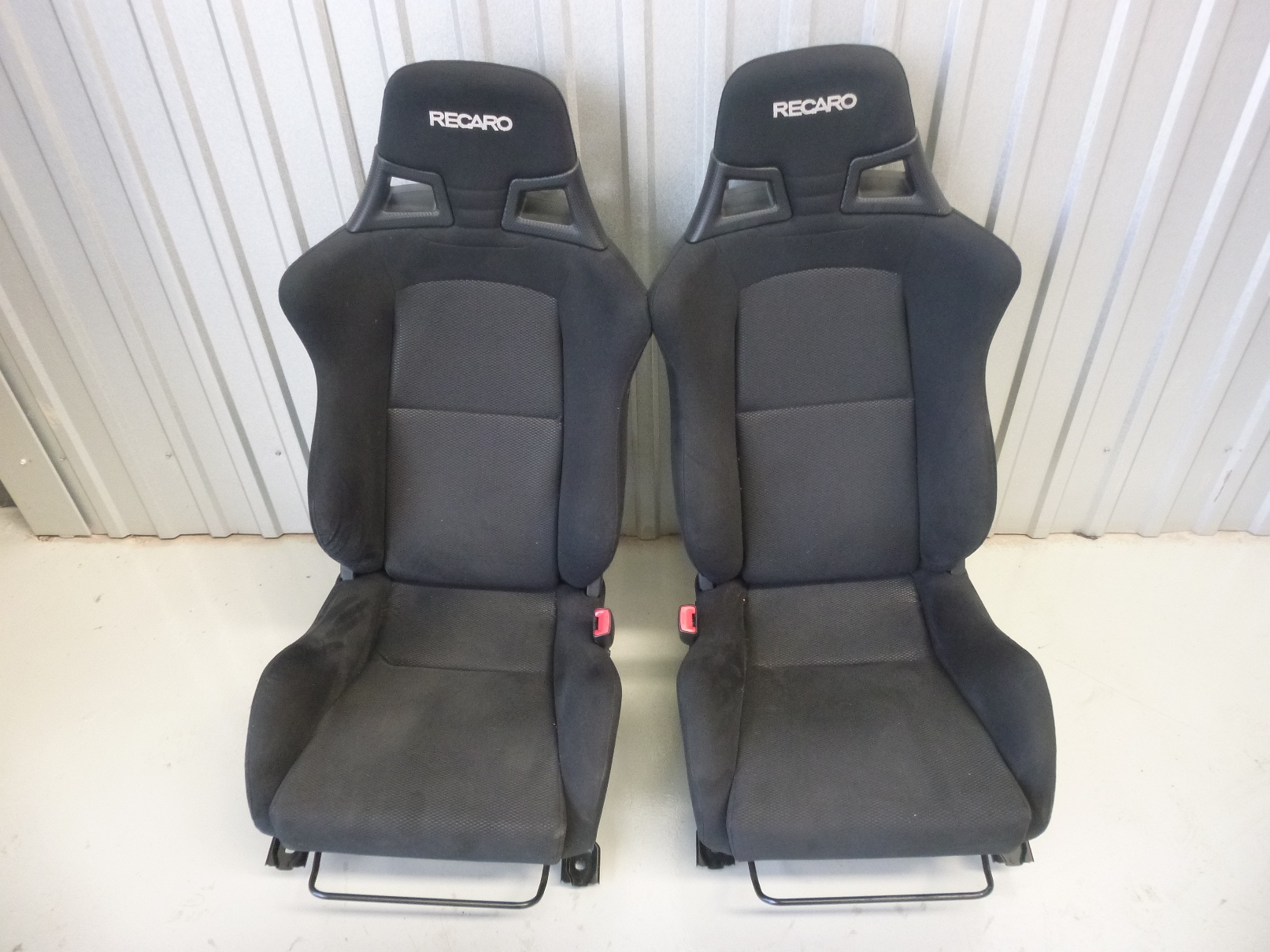 mitsubishi lancer evo x 10 cz4a recaro factory front seats. Black Bedroom Furniture Sets. Home Design Ideas