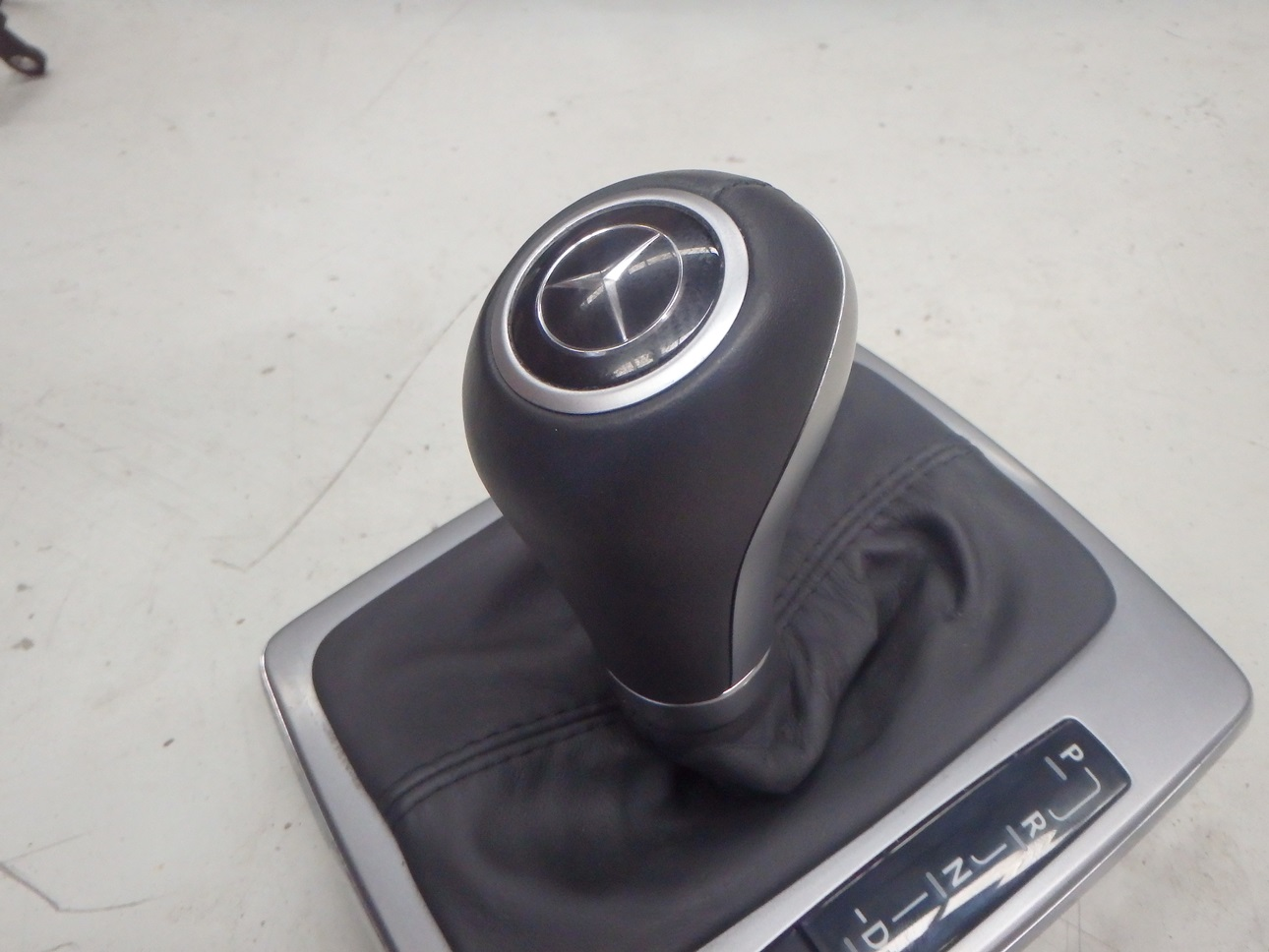 Mercedes benz c63 amg 2009 w204 interior gear shifter boot for Mercedes benz shift knob replacement